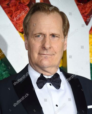 Jeff Daniels arrives at the 73rd annual Tony Awards at Radio City Music Hall, in New York