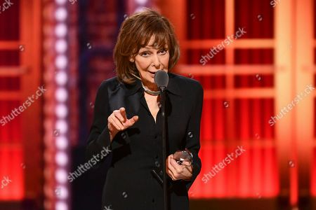 """Elaine May accepts the best performance by an actress in a leading role in a play for """"The Waverly Gallery"""" at the 73rd annual Tony Awards at Radio City Music Hall, in New York"""