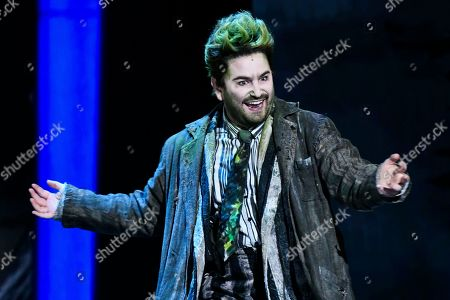 """Alex Brightman, of """"Beetlejuice,"""" performs at the 73rd annual Tony Awards at Radio City Music Hall, in New York"""