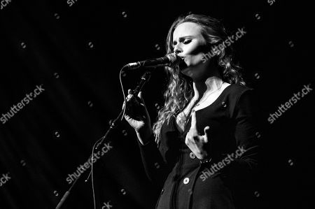 Roseanna Brown - The Rua