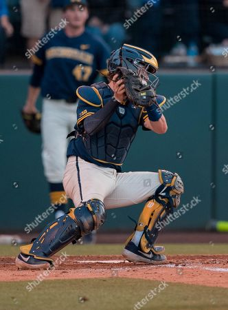 Los Angeles, CA..Michigan catcher (0) Joe Donovan makes a run scoring out at home plate during an NCAA super regional game between the Michigan Wolverines and the UCLA Bruins at Jackie Robinson Stadium in Los Angeles, California. Michigan defeated UCLA 4-2. .(Mandatory Credit: Juan Lainez / MarinMedia.org / Cal Sport Media)