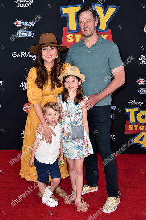 Tiffani Thiessen and guests