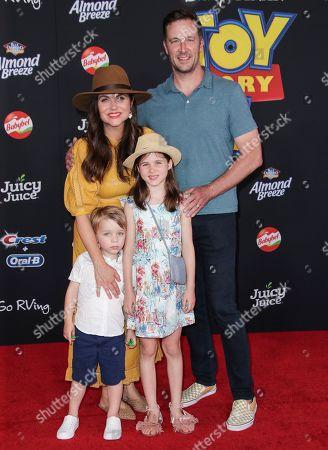 Tiffani Thiessen and family