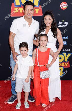 Gia Francesca Lopez, Mario Lopez, Dominic Lopez and Courtney Mazza