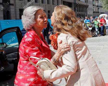 Spanish Emeritus Former Queen Sofia (L) greets her daughter Princess Elena of Spain as she arrives for the handover ceremony at the Mapfre Foundation Awards 2018, in Madrid, Spain, 12 June 2019.