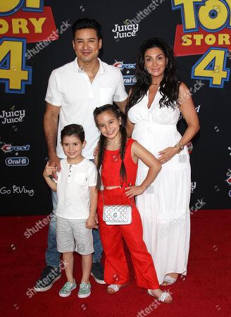 Mario Lopez, Courtney Mazza, Dominic Lopez, Gia Francesca Lopez