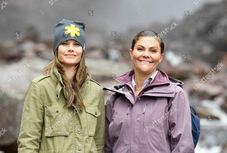 Crown Princess Victoria and Princess Sofia of Sweden during Victoria's last Province Walk, Dalarna County