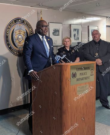 Little Rock Mayor Frank Scott addresses reporters at a news conference which the city's police department detailed overhauls to its no-knock drug raid policies, in Little Rock, Ark