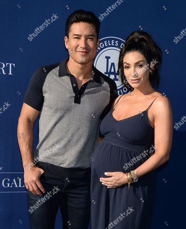 Mario Lopez and wife Courtney Mazza