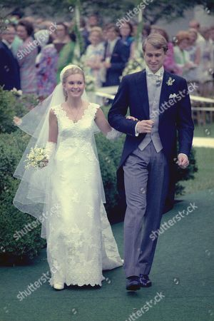 Mr. and Mrs. Edward Finch Cox at their White House wedding in the Rose Garden. First daughter Patricia Nixon was married on June 12, 1971.