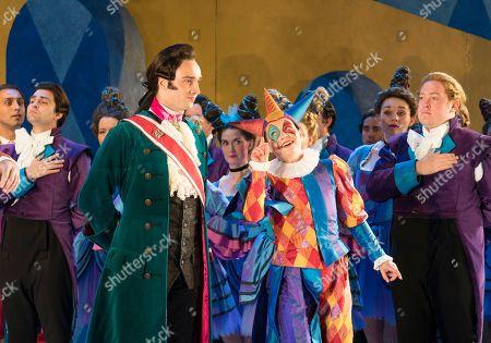 Huw Montague Rendall as Prince of Mantua, Hanna Hipp as Fantasio