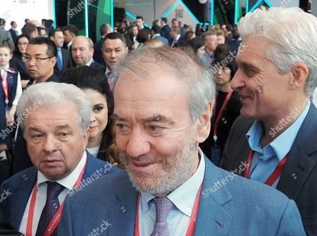 Mariinsky Theater artistic director Valery Gergiev (center) and Chairman of the Board of Directors of Tinkoff Credit Systems Oleg Tinkov (right) during the forum.
