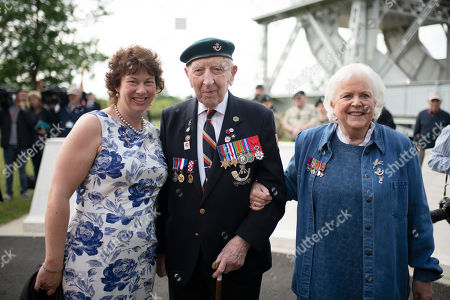 Veteran Reg Charles 96, the last surviving member Ox and Bucks regiment to have served in the second World War with  Kerry Ricketts (Granddaughter of Major John Howard) and Penny Bates (daughter of Major John Howard) and at Pegasus Bridge during 6th Airborne Division Normandy Remembrance, part of the D-Day 75 celebrations.