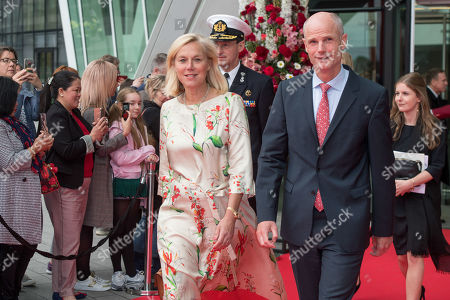 Sigrid Kaag and Stef Blok at the Dutch Dance theater in Dublin