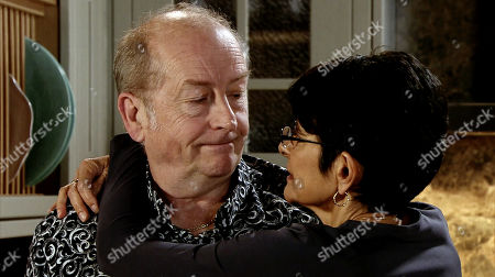 Ep 9804 Monday 24th June 2019 - 2nd Ep With the wine tasting in full swing, Cathy and Yasmeen Nazir, as played by Shelley King, lose track of time. As they knock back glass after glass, Yasmeen fails to spot the series of irritable texts from Geoff Metcalfe, as played by Ian Bartholomew. When she arrives back late for the dinner party she fails not notice how annoyed Geoff is. Geoff makes light of her poor time-keeping but it's clear he's very annoyed. With Sally Metcalfe gone, Geoff tears a strip off Yasmeen and heads to the spare room.
