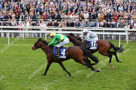 RECON MISSION (4) ridden by Rob Winston and trained by Tony Carroll winning The Pavers Foundation Catherine Memorial Sprint over 6f (£100,000) during the MacMillan Charity Raceday held at York Racecourse, York