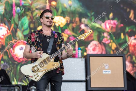 Rival Sons - Scott Holiday