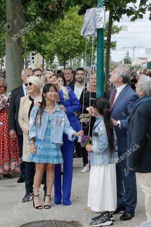 Jade Hallyday, Laeticia Hallyday, Joy Hallyday and Jean-Luc Moudenc
