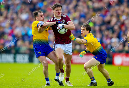 Galway vs Roscommon. Galway's Michael Daly with Niall Kilroy and David Murray of Roscommon
