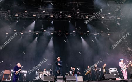 Madness - Lee Thompson, Michael Barson, Graham' Suggs ' McPherson, Dan Woodgate, Mark Bedford, Chris Foreman