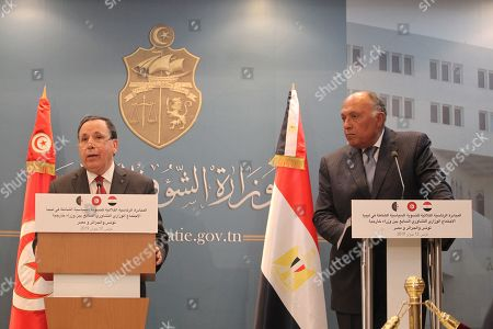 Tunisian Foreign Minister Khemaies Jhinaoui and his conterpart Egyptian counterpart Sameh Shoukry