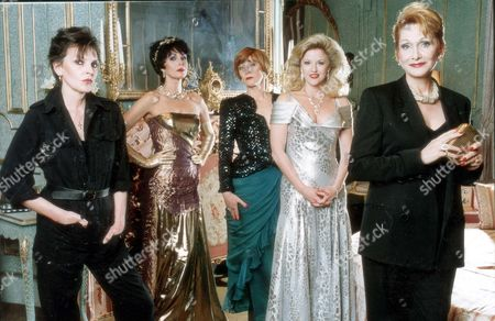 Theatrical Plays - 'vanilla' - 2nd May 1990 - Left To Right: Marjorie Bland Joanna Lumley Charlotte Cornwell Gwen Humble And Sian Phillips.