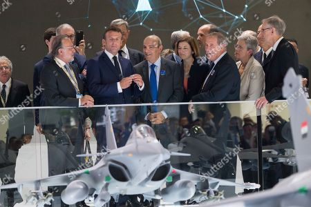 Olivier Dassault, Emmanuel Macron, Eric Trappier, Florence Parly, Charles Edelstenne and French Junior Defence Minister Genevieve Darrieussecq.