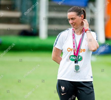 France's head coach Corinne Diacre attends a training session during the FIFA Women's World Cup 2019 in Le Havre, France, 18 June 2019.