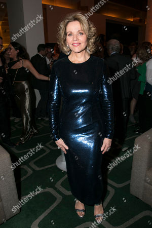 Renee Fleming (Margaret Johnson)