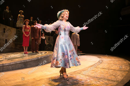 Renee Fleming (Margaret Johnson) during the curtain call