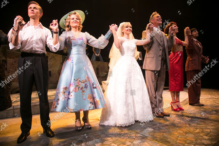 Rob Houchen (Fabrizio Naccarelli), Renee Fleming (Margaret Johnson), Dove Cameron (Clara Johnson), Alex Jennings (Signor Naccarelli), Celinde Schoenmaker (Franca Naccarelli) and Liam Tamne (Guiseppe Naccarelli) during the curtain call