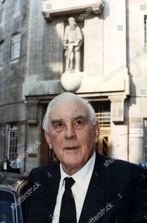 Marmaduke Hussey Bbc Chairman (now Baron Hussey Of North Bradley In The County Of Wiltshire Life Peer) . Rexmailpix.