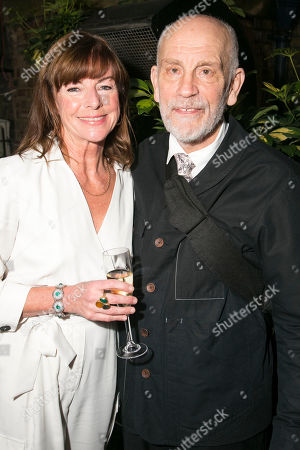 Stock Picture of Doon Mackichan (Sondra) and John Malkovich (Barney Fein)