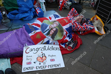 John Loughrey Wakes Up After Sleeping Out On The Pavement Near Windsor Castle Windsor - Ahead Of The Royal Wedding Of Prince Harry To Meghan Markle.