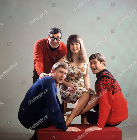 THE SEEKERS - KEITH POTGER, JUDITH DURHAM, ATHOL GUY AND BRUCE WOODLEY