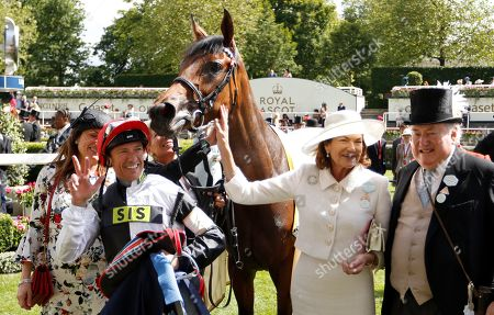 Stock Image of STAR CATCHER (Frankie Dettori) with Mr and Mrs Anthony Oppenheimer after The Ribblesdale Stakes Royal Ascot