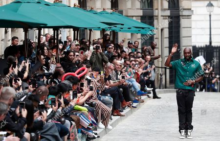 Ghanaian-American designer Virgil Abloh waves after the presentation of his Spring/Summer 2020 Men's collection for Louis Vuitton during the Paris Fashion Week, in Paris, France, 20 June 2019. The presentation of the Spring/Summer 2020 menswear collections runs from 18 to 23 June 2019.