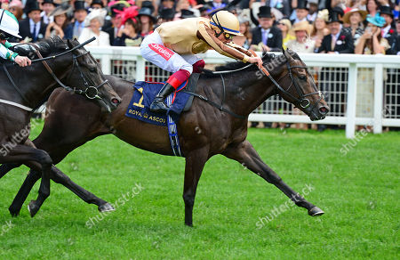 ROYAL ASCOT. The Norfolk Stakes. A'ALI and Frankie Dettori win for trainer Simon Crisford.