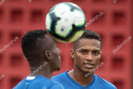 Ecuador's national soccer team player Antonio Valencia (R) attends a training session at Barradao stadium in Salvador, Brazil, 20 June 2019. Ecuador will face Chile in their group C match on 21 June.