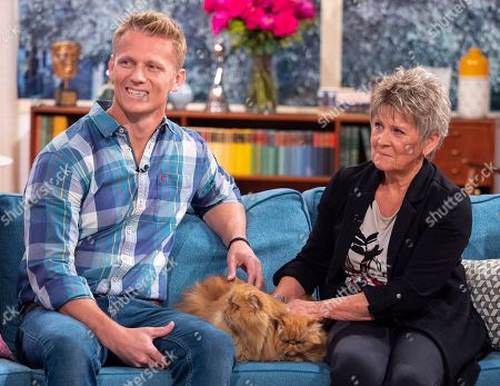 Scott Miller and Lesley Smith with Grumpy Cats
