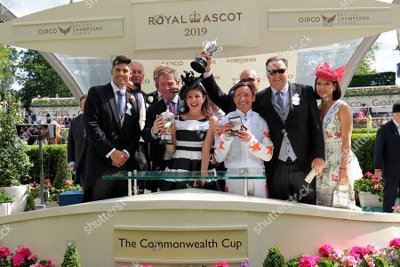 Sir Alistair Cook presents to an excited Frankie Dettori after Advertise had won the Commonwealth Cup at Royal Ascot.