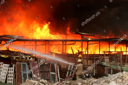 Fire Furniture Market New Delhi Stockfotos Exklusiv Shutterstock
