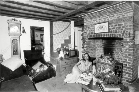 Actress Imogen Hassall At Home In Wimbledon In 1969.
