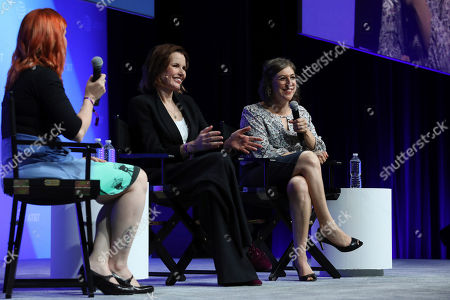 """Geena Davis, Mayim Bialik. Geena Davis, second right, and Mayim Bialik, right, speak at the AT&T's SHAPE: """"The Scully Effect is Real"""" panel with Geena Davis and Mayim Bialik on in Burbank, Calif"""