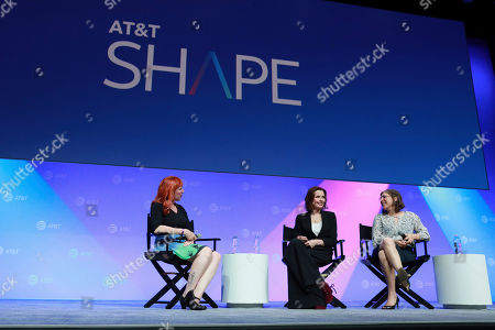 """Erin Macdonald, Geena Davis, Mayim Bialik. Erin Macdonald, from left, Geena Davis, Mayim Bialik speak at the AT&T's SHAPE: """"The Scully Effect is Real"""" panel with Geena Davis and Mayim Bialik on in Burbank, Calif"""