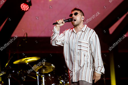 Silvano Albanese in concert at Radio Deejay party