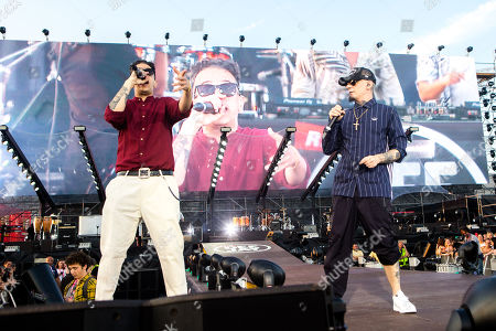 Tormento and J-Ax in concert at Radio Deejay party