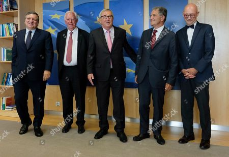 (L-R) The EU Commission President and Former President Jose Manuel Barroso, Jacques Santer, Jean-Claude Juncker,  Romano Prodi and World Trade Organization Director General Pascal Lamy, pose for a photo during a visit at the European Commission, in Brussels, Belgium, 24 June 2019.