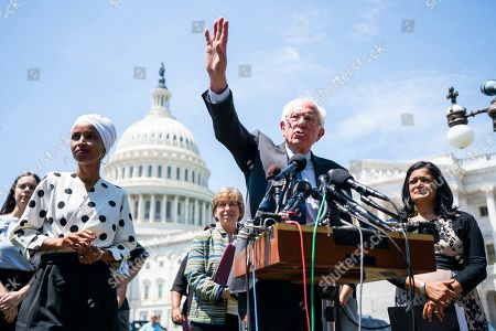 Senator Sanders proposes cancelling student loan debt, Washington DC
