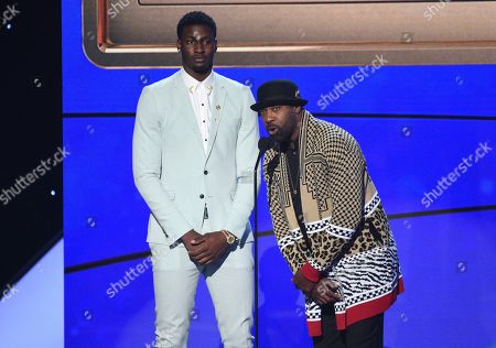 Jaren Jackson Jr., Baron Davis. NBA player Jaren Jackson Jr., of the Memphis Grizzlies, left, and Baron Davis present the NBA teammate/sportsmanship of the year award at the NBA Awards, at the Barker Hangar in Santa Monica, Calif